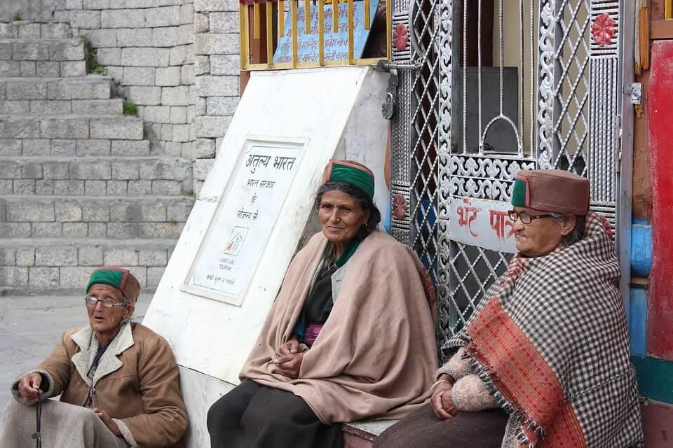 Himachal-Pradesh-Locals-Wearing-Ethnic-Cap