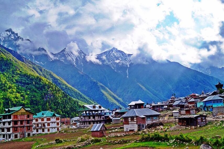 chitkul-Village-an-offbeat-place-in-Himachal