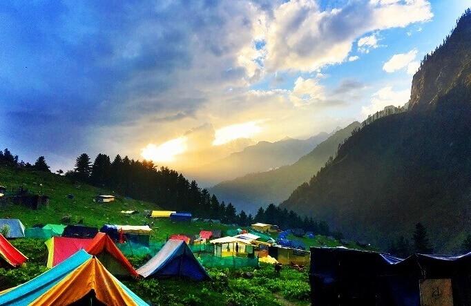 Kheerganga Trekking in Himalaya